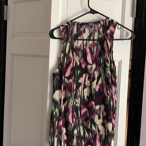 Kensie watercolor button up tank/blouse.